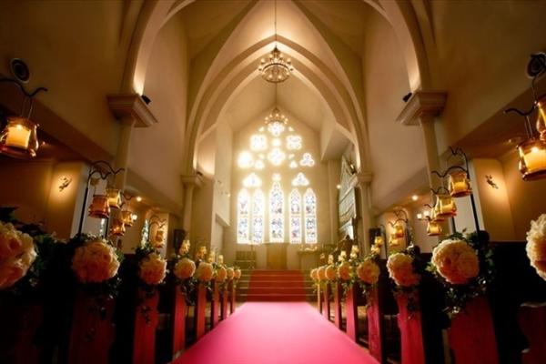 京都セントアンドリュース教会がぴったりのおふたりは?口コミ・費用・ブライダルフェア情報!